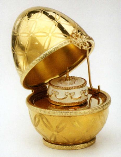 une oeuf musicale de Peter Carl Fabergé